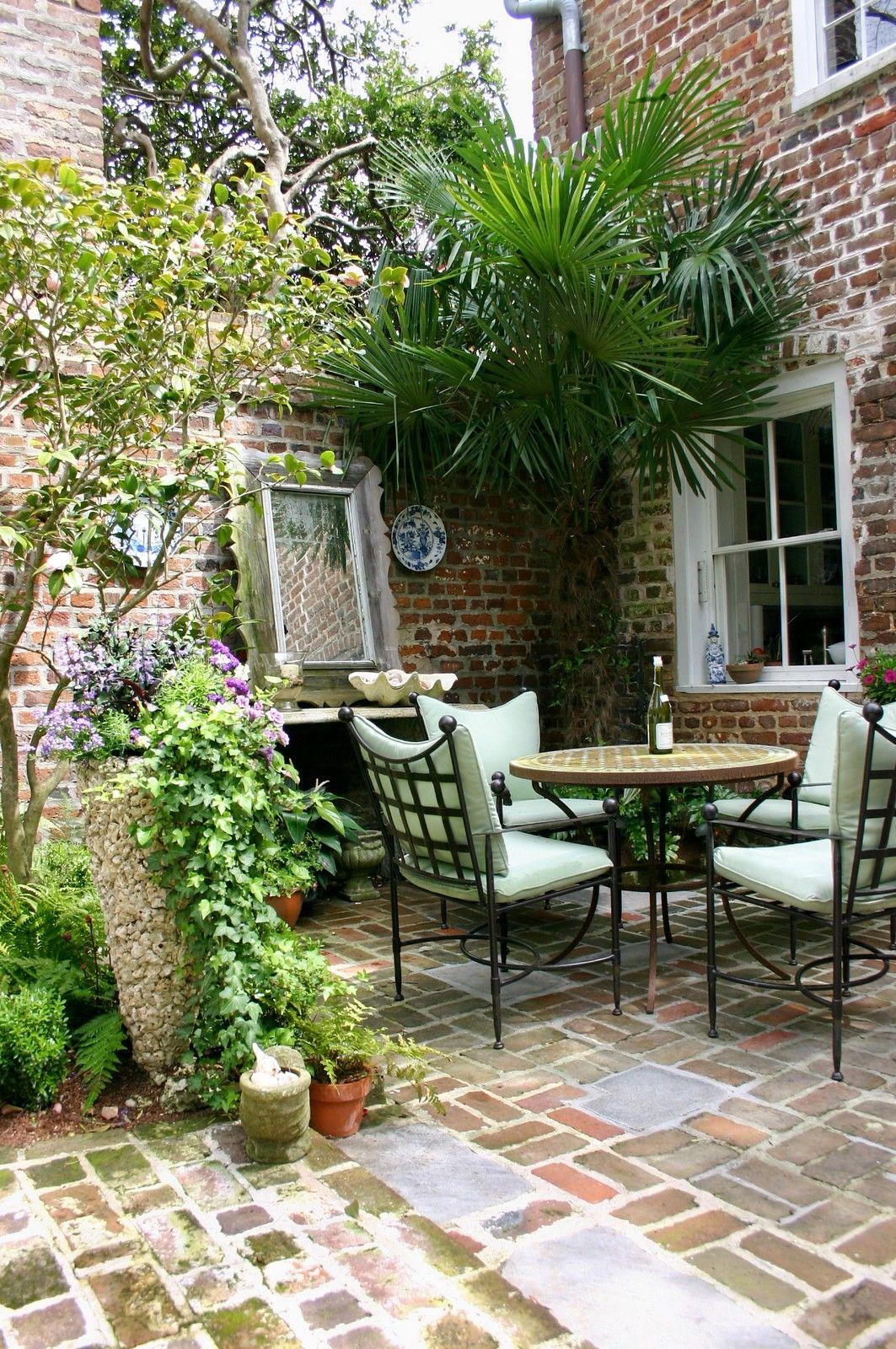 Historic Charleston Courtyard Garden