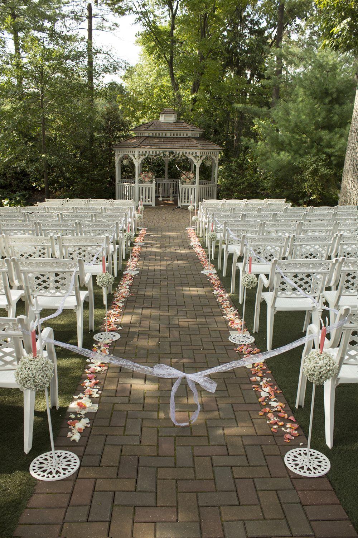 Meredith-manor-rustic-bride-fairy-tale-wedding-ceremony ...