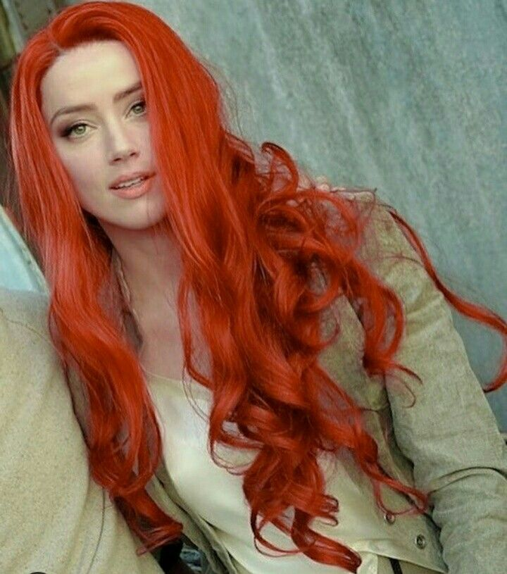She Was So Freaking Awesome In Aquaman Badass And Beautiful Magenta Red Hair Red Wigs Red Hair Color