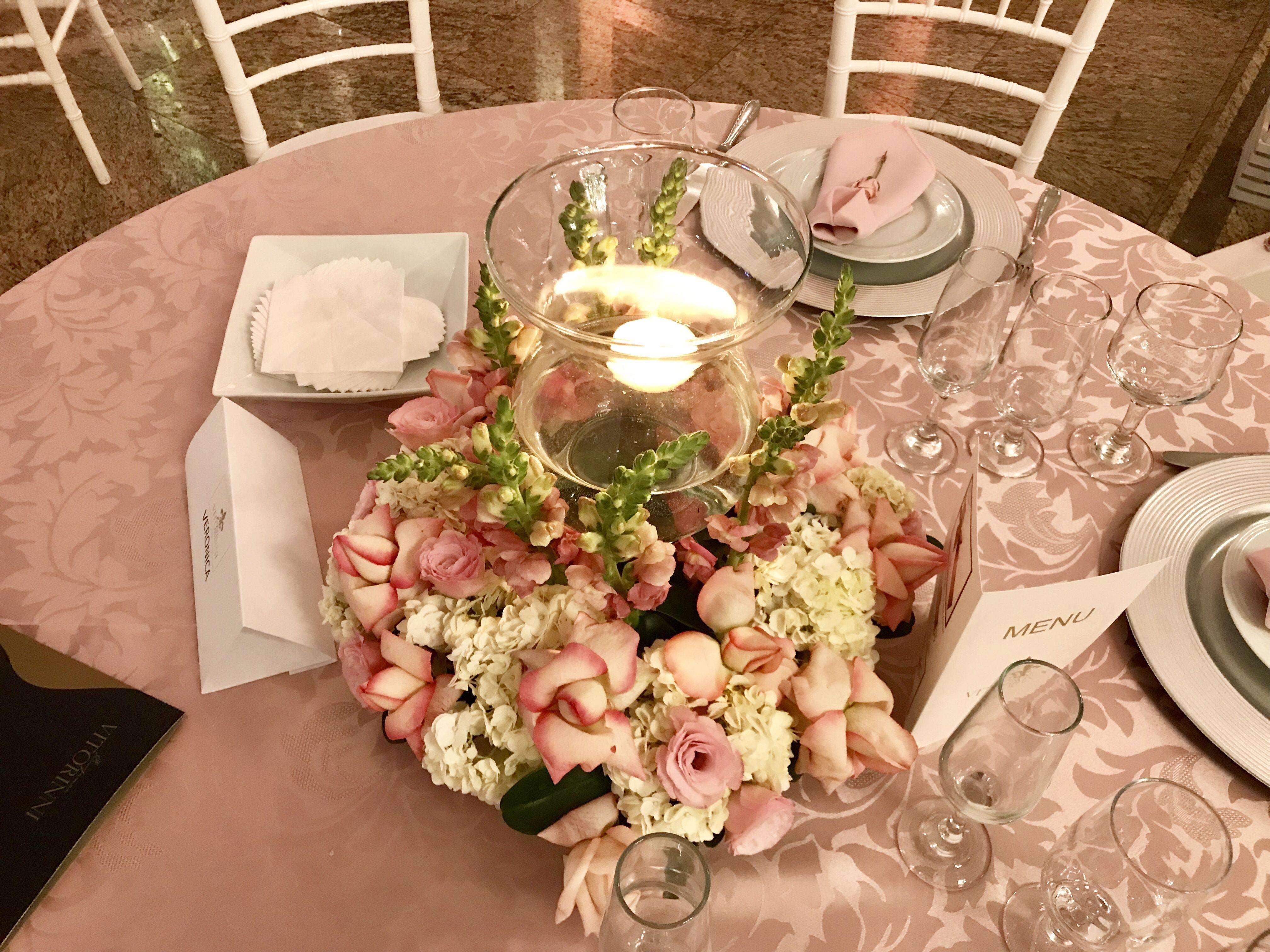 Arranjo Delicado Em Tons Rosa E Branco Mesa Convidados Casamento