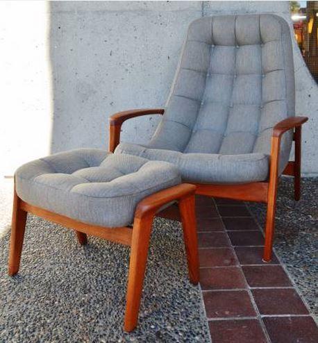 Merveilleux Teak Restored Button Tufted Palm Chair And Ottoman