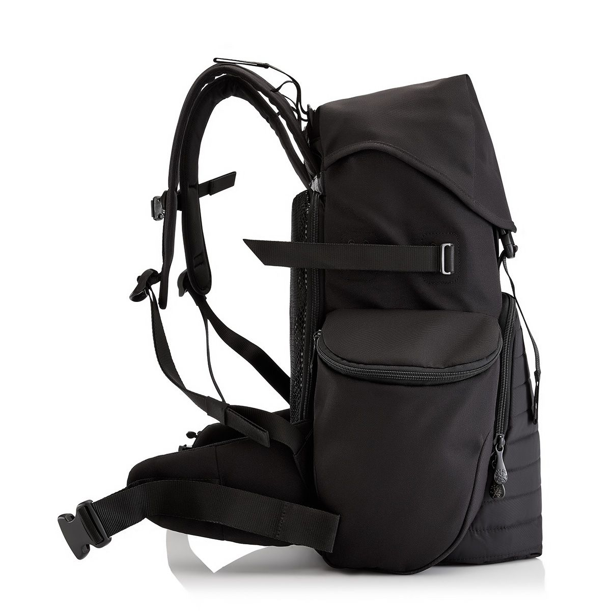 Karachi Outpost (M) padded photography backpack in Black