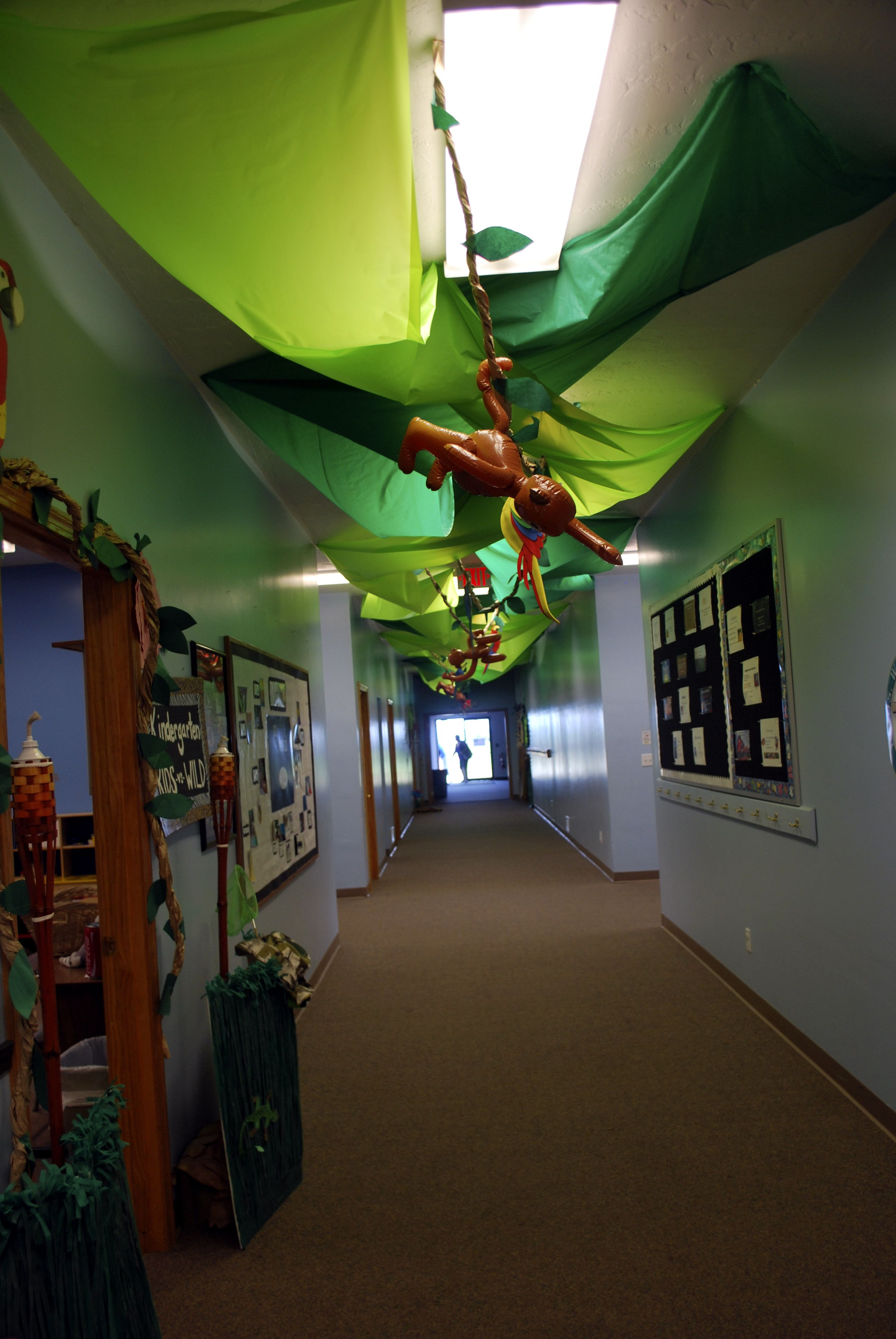 Cheap Green Fabric Or Plastic Tablecloths On The Ceiling