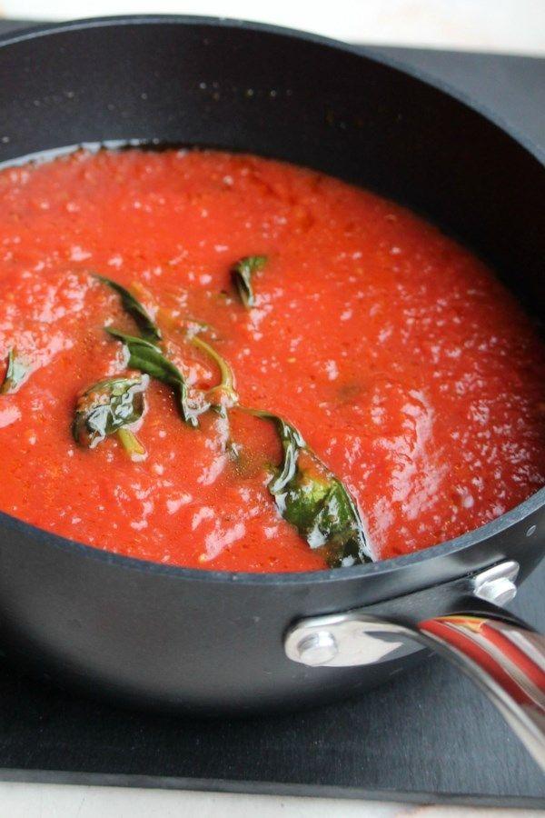 Photo of Sugo di Pomodoro (Authentic Italian Tomato Sauce) Recipe