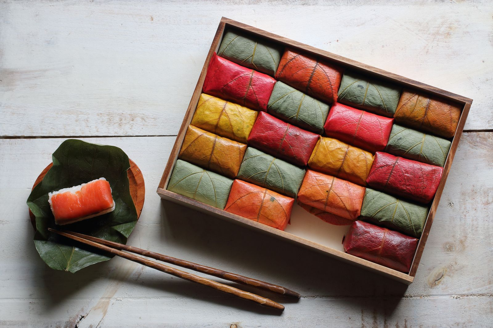 طبق كاكين أوهازوشي وهو طبق سوشي تقليدي خاصة بمحافظة توتوري