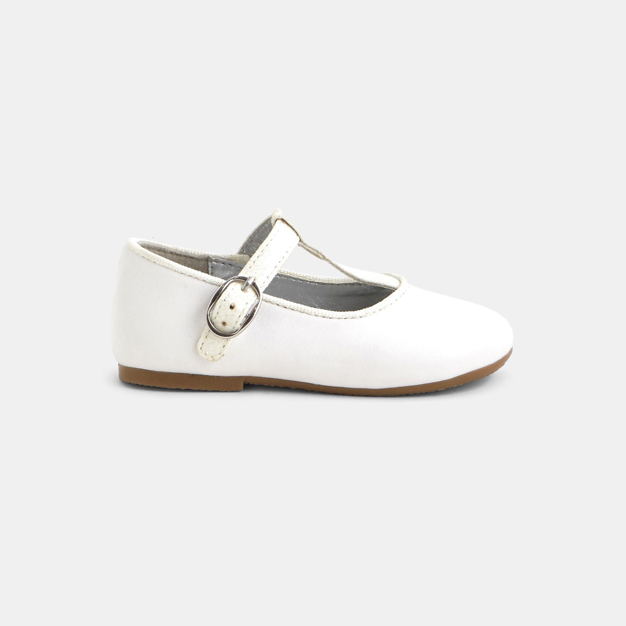 159e833ab524d Chaussures bébé fille. Ballerines blanches citadines de cérémonie.  Imitation cuir PU. Bride en