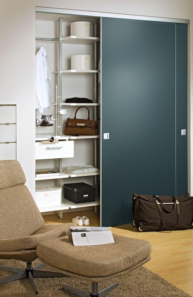 Gerade als #Garderobe im Eingangsbereich bietet das Schiebetür