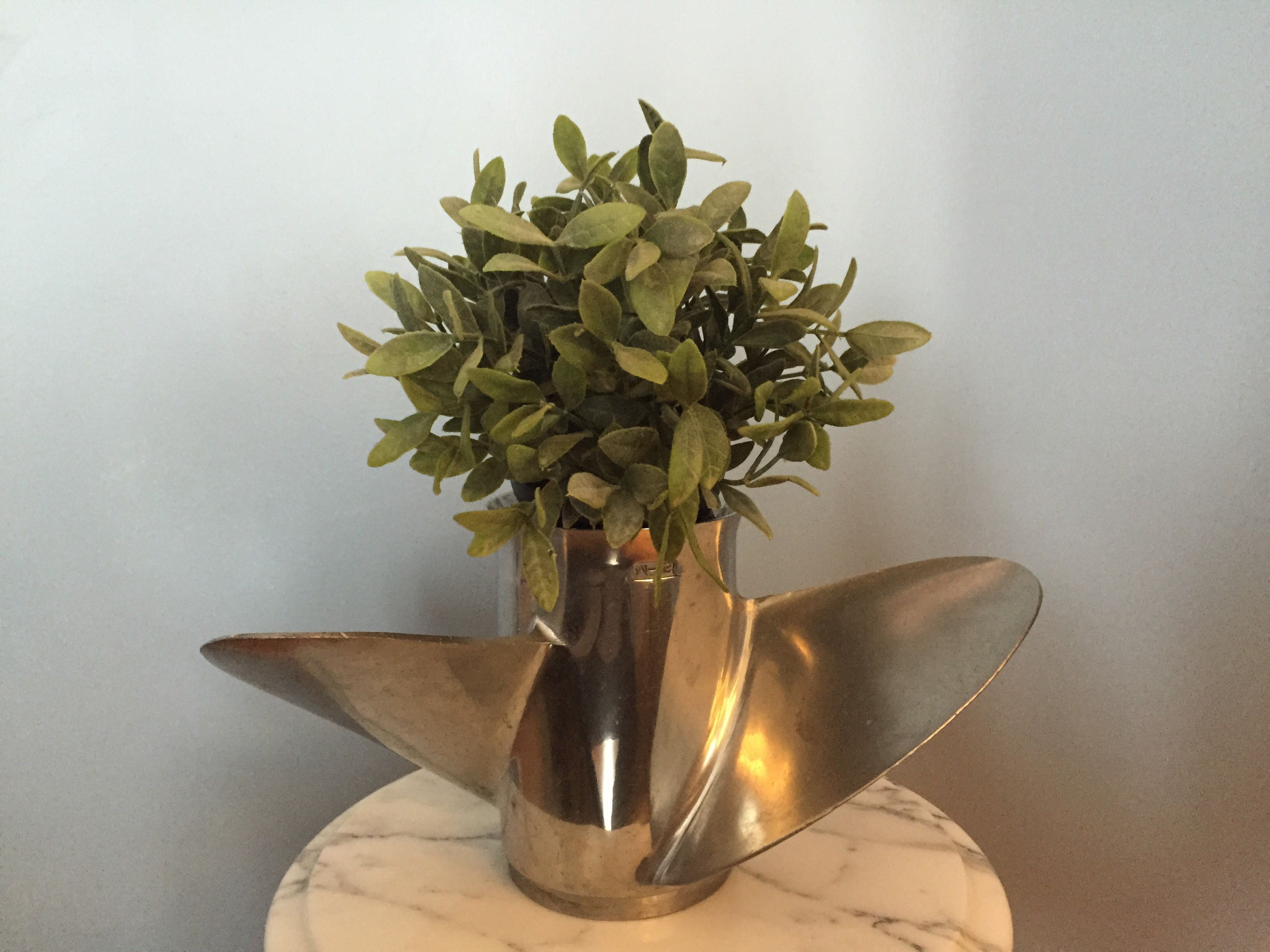 Repurpose An Old Boat Propeller As A Plant Holder It S Great For