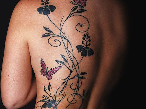 32 Seductive Female Tattoo For 2013