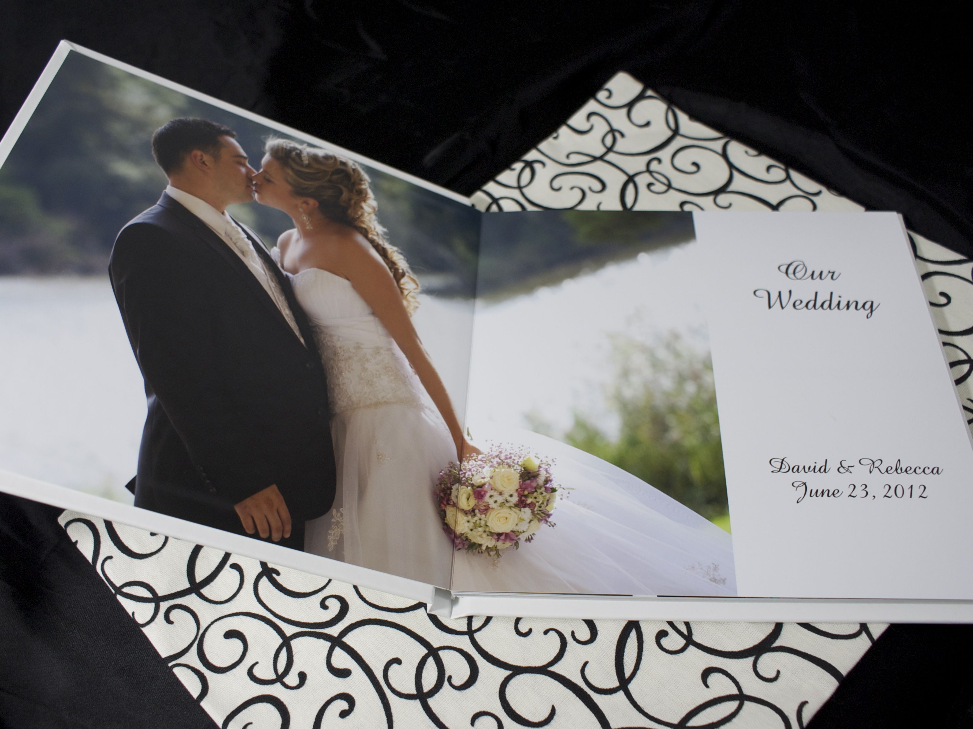 Diypure photo mount wedding album lays perfectly flat and is