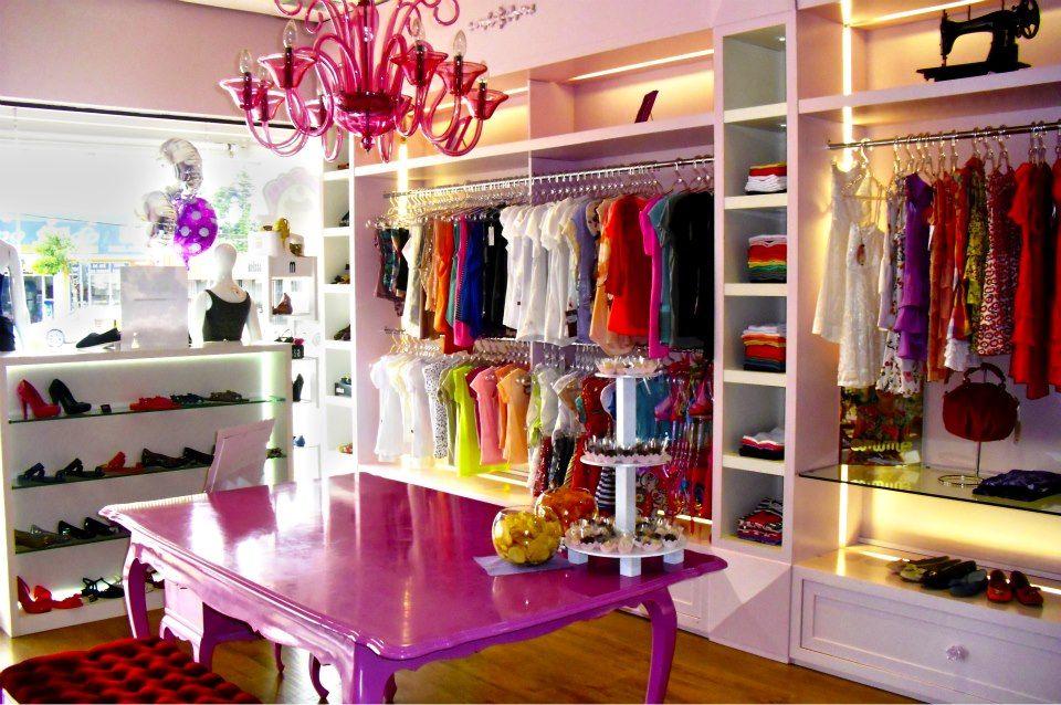 Resultado de imagem para decoraç u00e3o provençal de loja bella bell decoraçao Boutique interior  -> Decoracao Para Loja Feminina Pequena