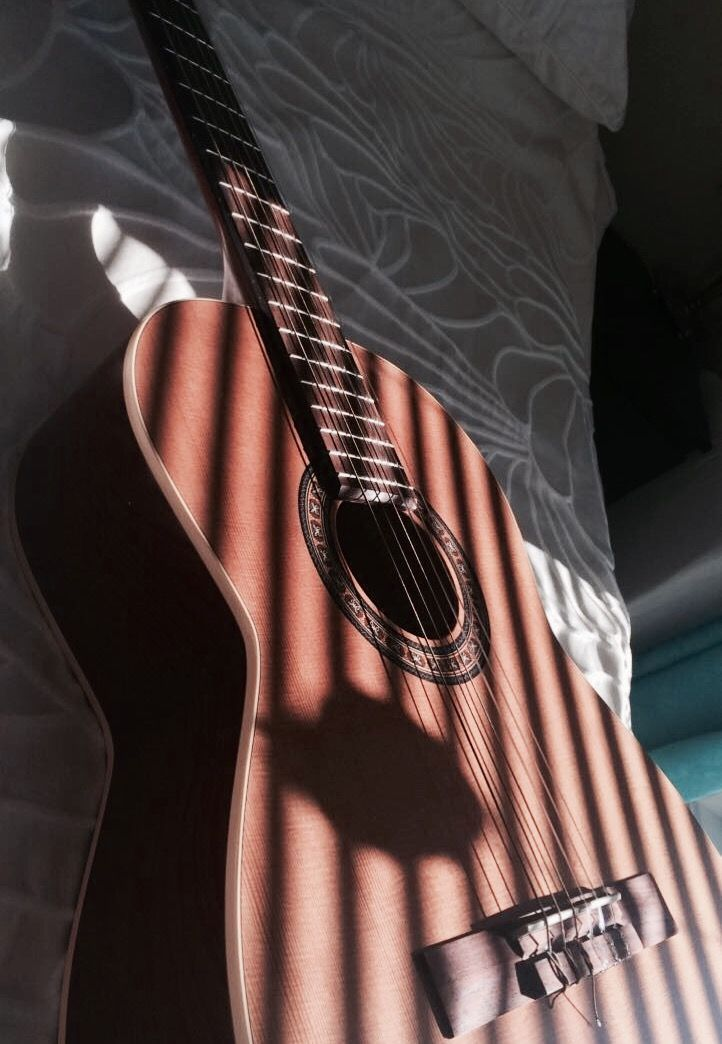 Jasmine S35 Review Best Acoustic Guitar For Beginners Buy Today For Less Than 100 Yourguitarguide Com Music Instruments Guitar Acoustic Guitar Photography Music Aesthetic