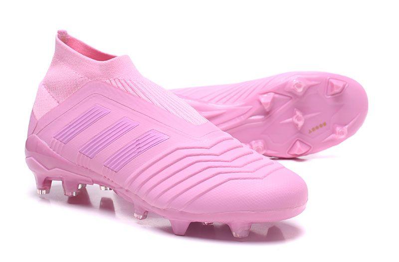 b8893375bc607 La Adidas Predator 18+ parte superior de tejido Adidas Primeknit se adapta  al pie y