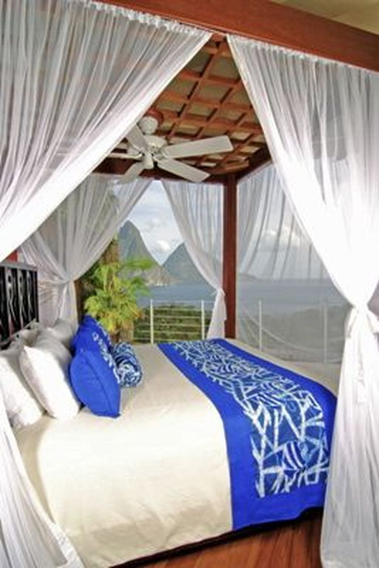 Luxury Hotel Bedrooms: 10 Things A Luxury Hotel Does For Its Guests