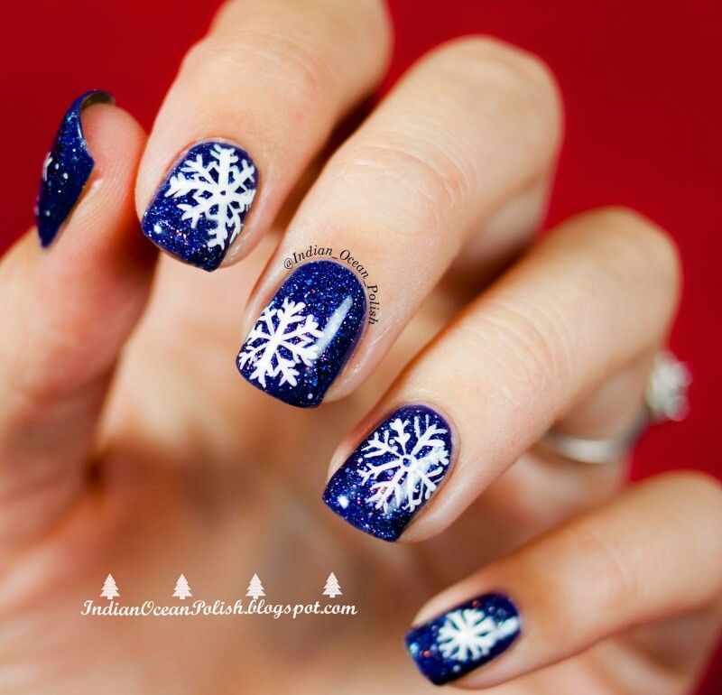 Navy blue and white snowflake nails - Navy Blue And White Snowflake Nails Beauty : Nail Art