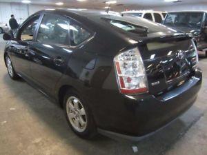 A 2006 Toyota Prius Premium 45 Mpg