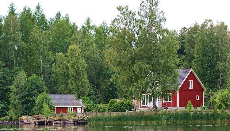 Ferienhaus in Alleinlage direkt am See House styles