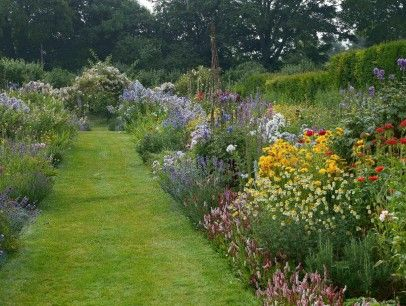 Gertrude jekyll gardens images google search gertrude jekyll and her gardens pinterest for Gertrude jekyll gardens to visit