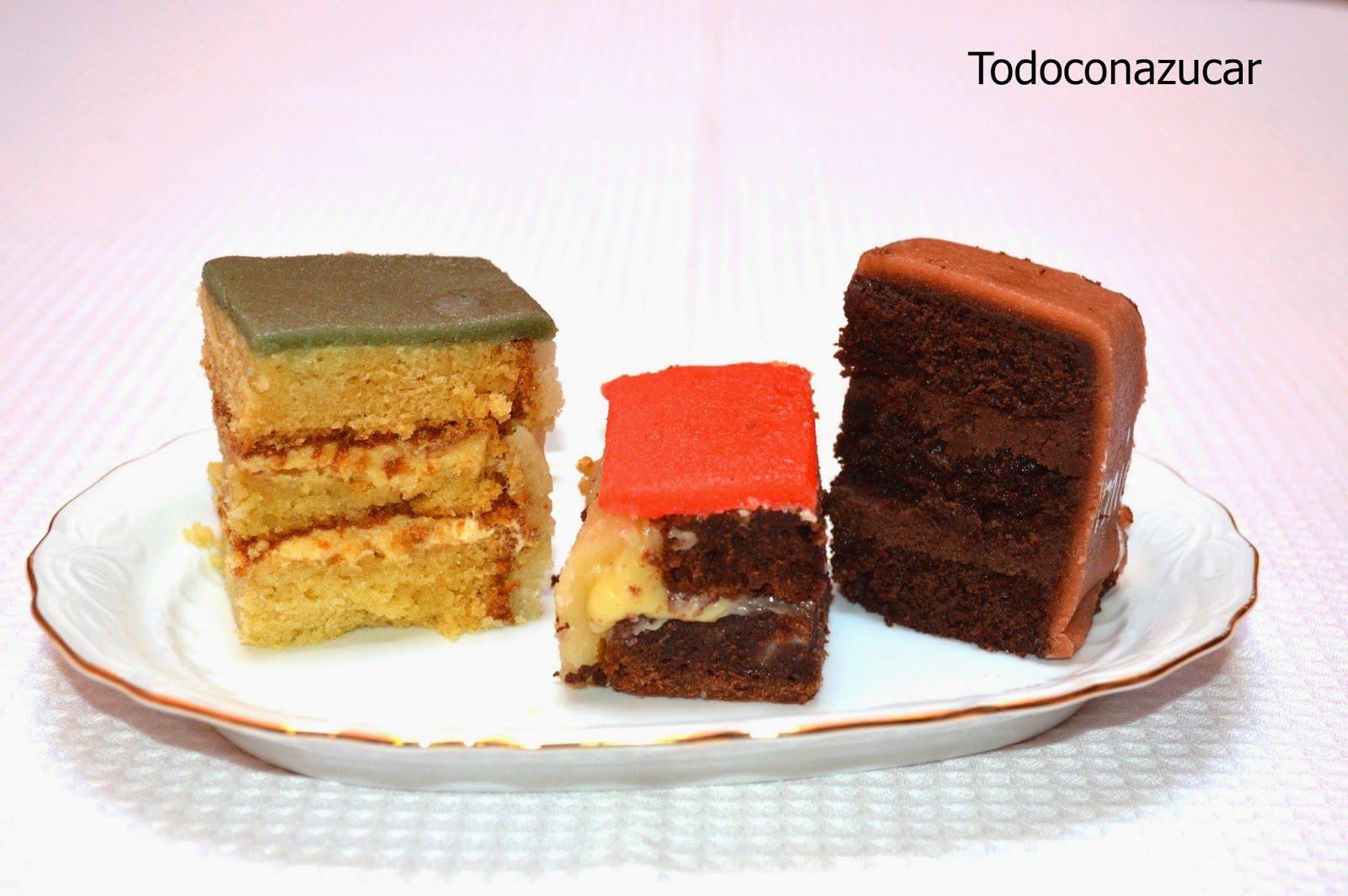 tarta cubierta de mazapán