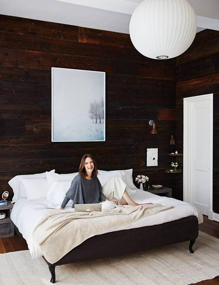 the naturals nadine and matt abramcyk Renovación y Dormitorio - recamaras de madera modernas