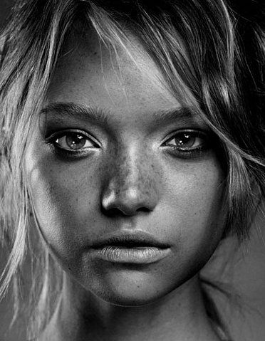 Black and white face fashion freckles gemma ward gilles marie zimmerman photography