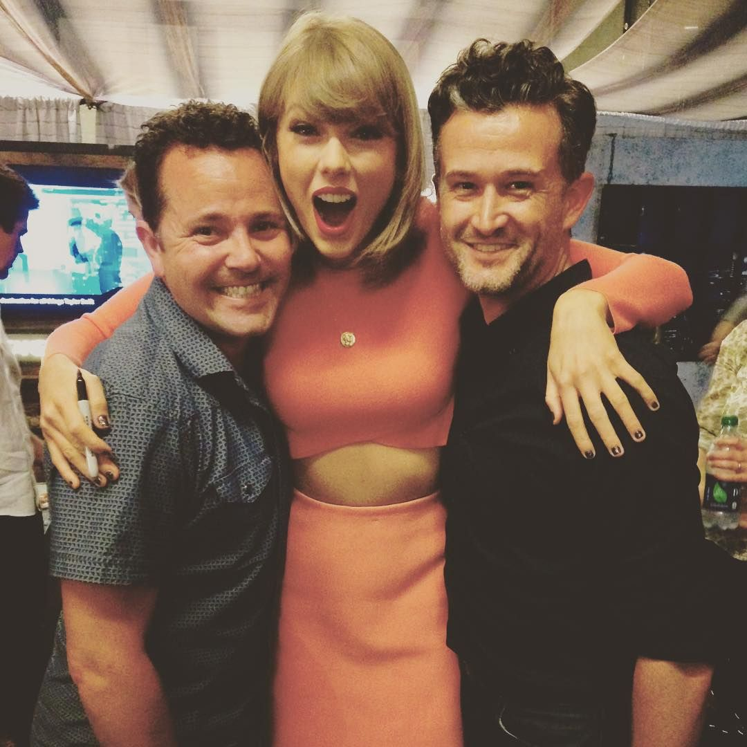 Taylor With Fans During The Pre Show Meet And Greet In Los Angeles