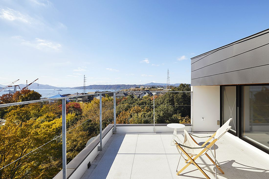 瀬戸見の家 バルコニー – 小松隼人建築設計事務所