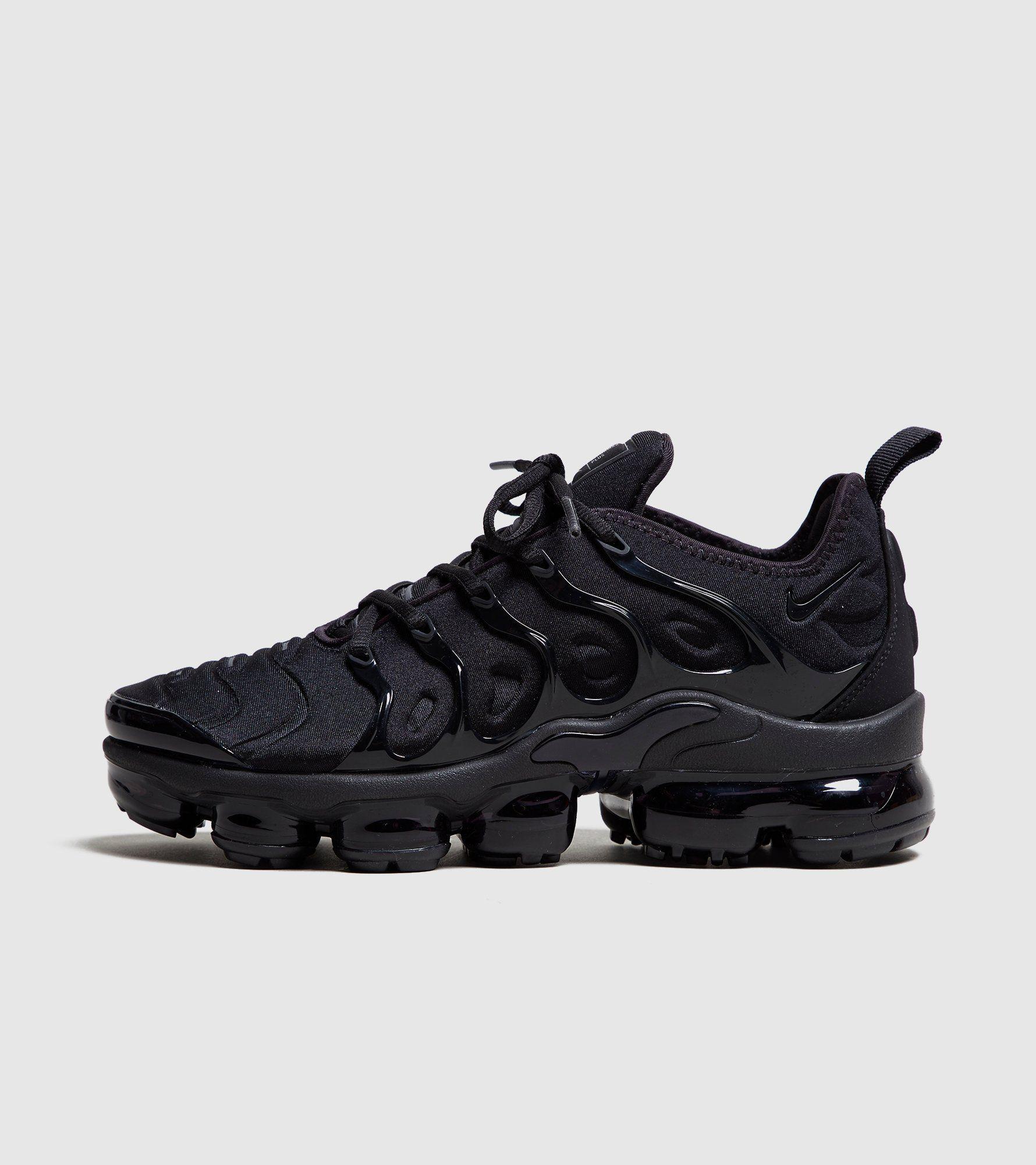 069abffa6cba4 Nike Air VaporMax Plus Women's in 2019   Shooz   Black nike shoes ...