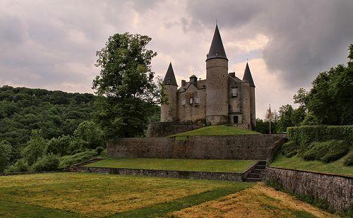 Castle of Vêves - http://www.1pic4u.com/blog/2014/06/06/castle-of-vves/