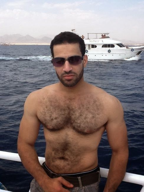 Handsome Arab Man | guapos | Hombres, Raining men y Arabes