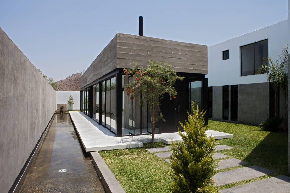 La casa de los espejos de agua agua arquitectura arquitectos y casas - La casa de los espejos retrovisores ...