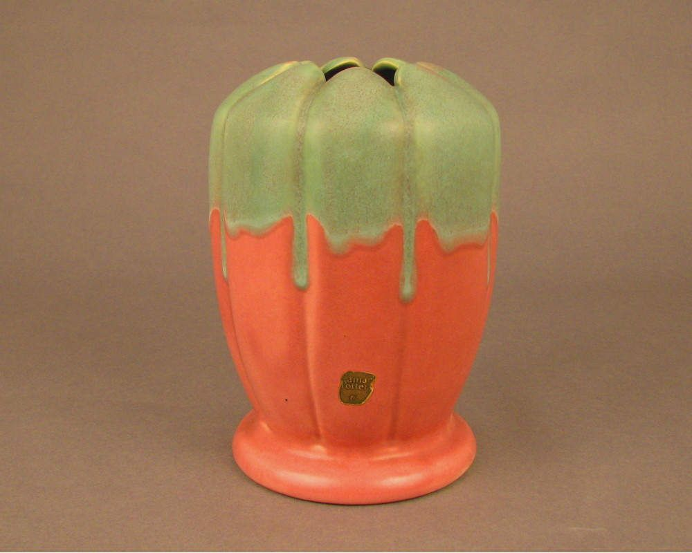 Vintage camark pottery 7 12 vase rose green overflow c1928 1930s vintage camark pottery 7 12 vase rose green overflow c1928 1930s by reviewsmspy