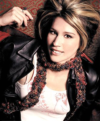 LISA BROKOP : ONE OF OUR LOVED COUNTRY MUSIC STAR... UNE DE NOS VEDETTES COUNTRY QUI EST TRÈS AIMÉE.