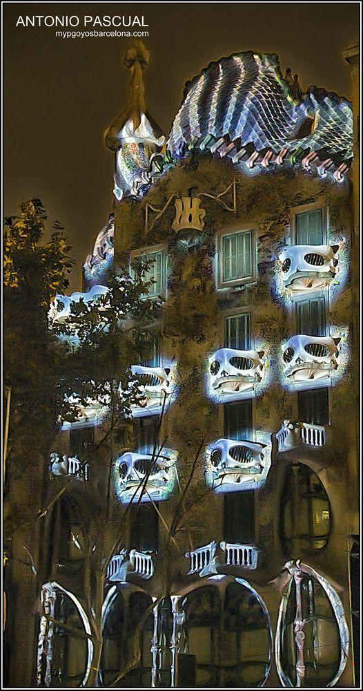 69663b9696 Los balcones iluminados de la Casa Batlló de Barcelona de Antonio Pascual