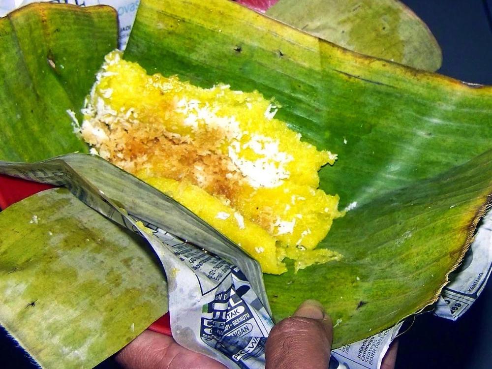 Pin Di Aneka Jajanan Tradisional Traditional Snacks