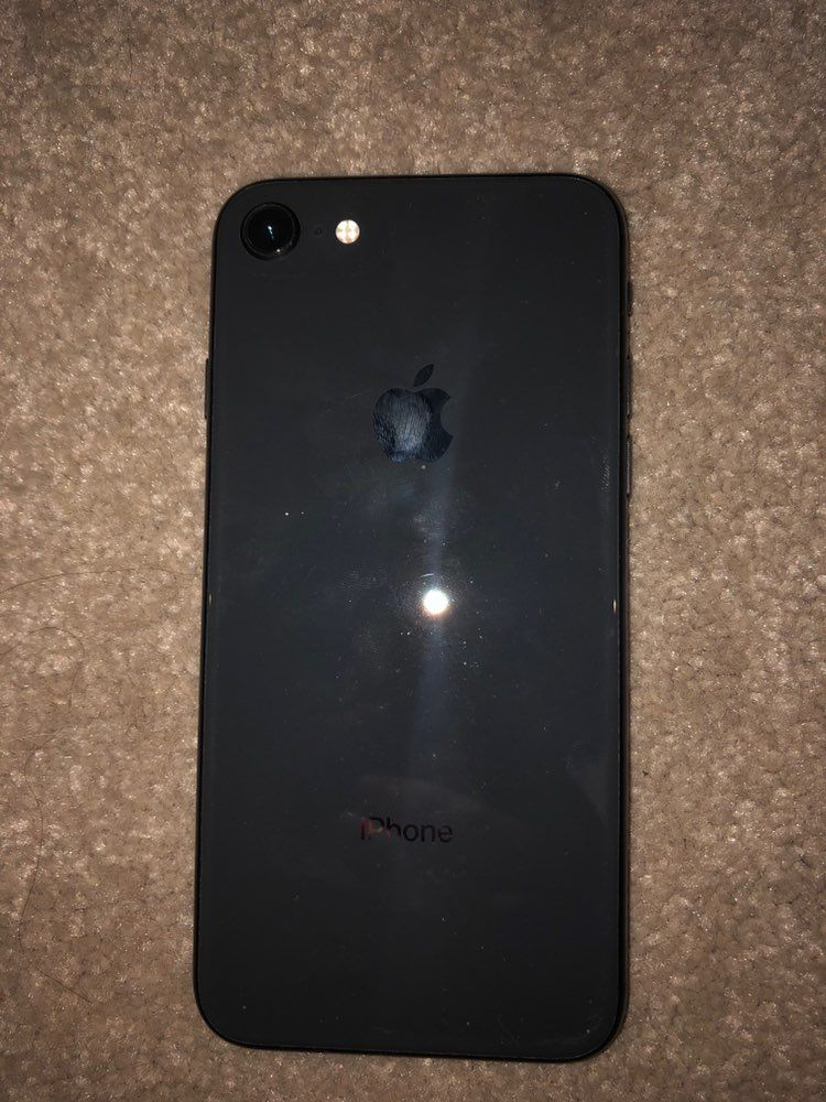 Jet Black Iphone 8 64gb Works With T Mobile No Cracks Scratches On The Front Screen Only Screen Protector Is Cracked So Iphone Jet Black Iphone Iphone 8