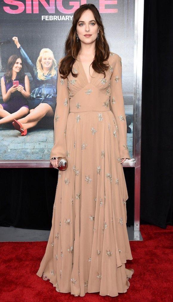 Rapunzel mulher de 30 anos tapetes vermelhos e cabelo comprido how to be single new york premiere ccuart Choice Image
