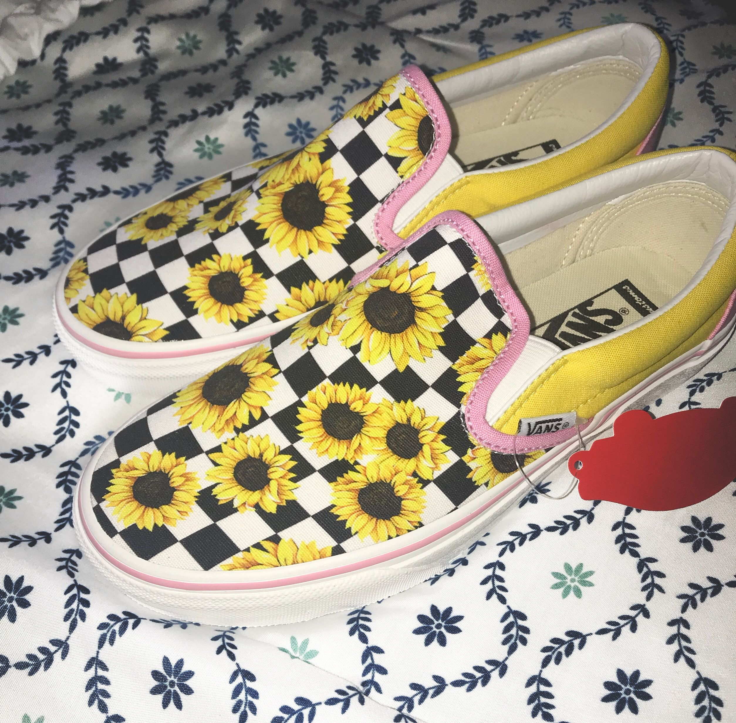 Sunflower vans | Vans slip on shoes, Personalized shoes