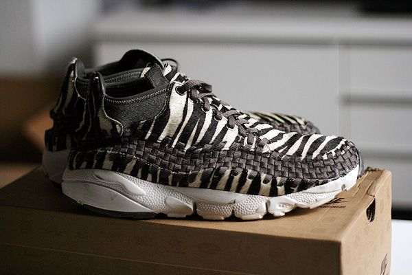Men's Nike Air Footscape Woven Chukka PRM Zebra Sneakers : G11z7772