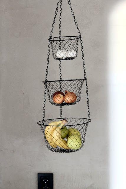 Hanging wire basket / fruit / kitchen