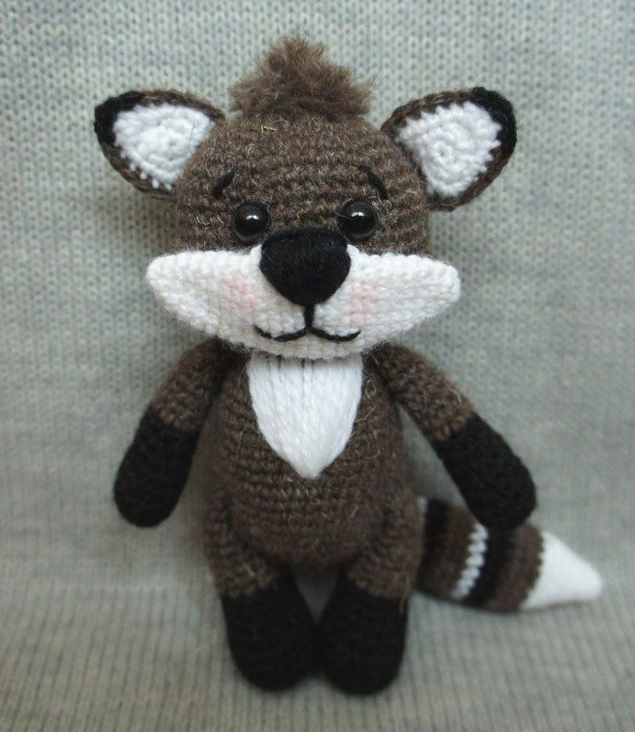 Raccoon Amigurumi, Jr. Rakku - Free Crochet Pattern | Craft Passion | 807x700