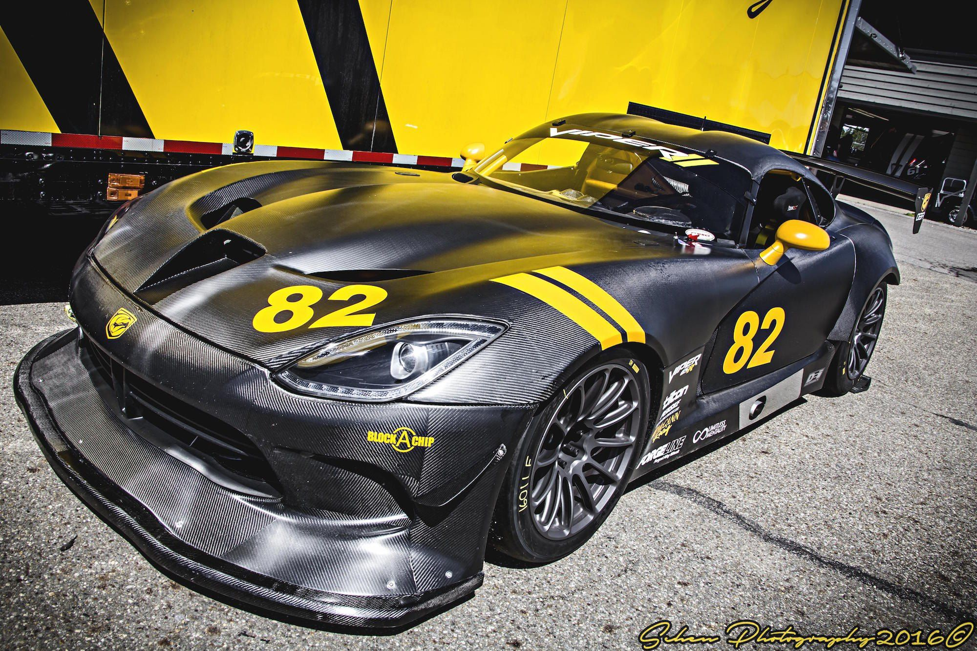 Carbon Fiber Mania Crazy Body Kit On Black Dodge Viper Car Parts