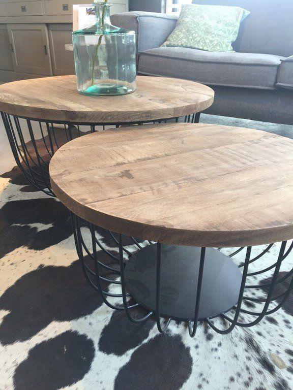 Der moderne Couchtisch Eva weicht deutlich vom klassischen - Moderne Tische Fur Wohnzimmer