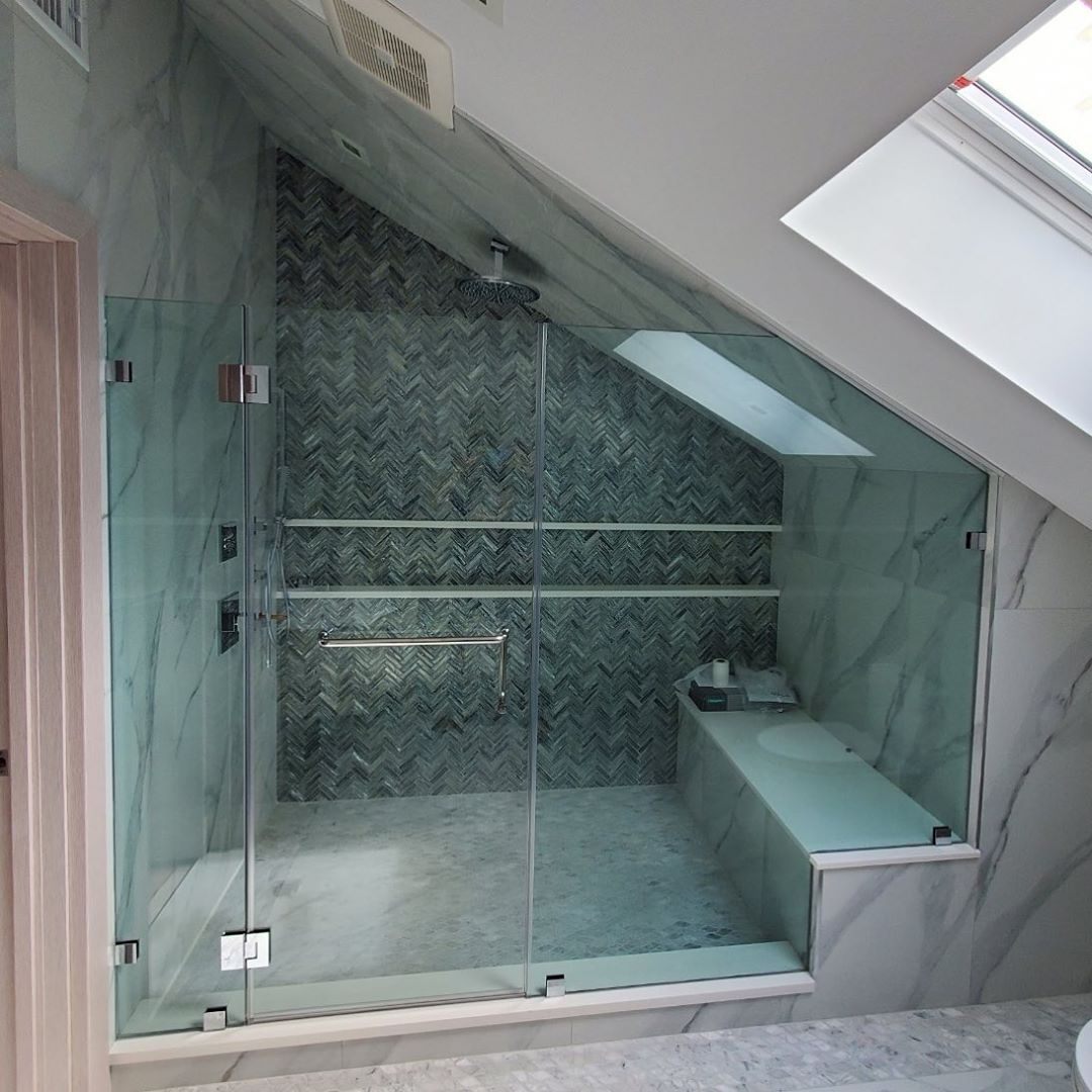 Mpg Glass On Instagram Custom Fully Frameless Shower Enclosure Door Hinges Off 1 2 Stationary In 2020 Shower Enclosure Frameless Shower Frameless Shower Enclosures