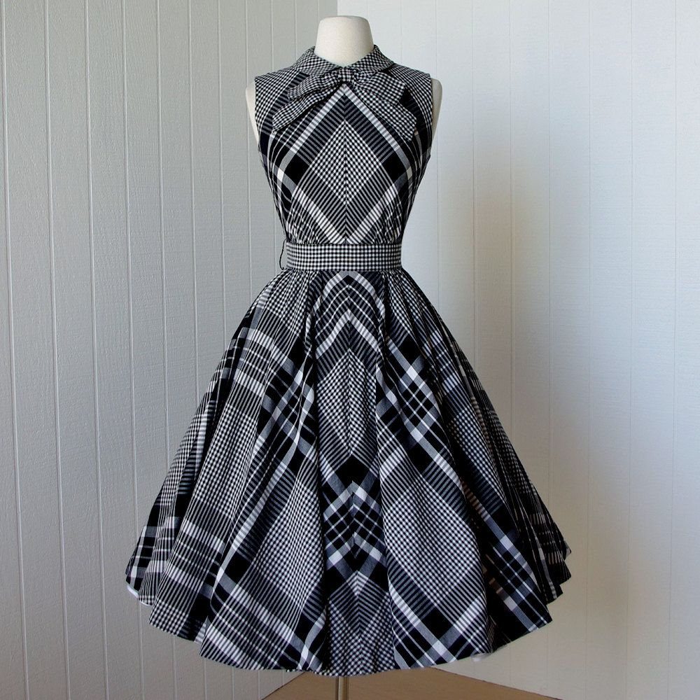 68f40c4d51 vintage 1950 s dress ...most fabulous SUZY PERETTE dior inspired new look  quintessential black and white gingham plaid cotton circle skirt pin-up sun  dress ...