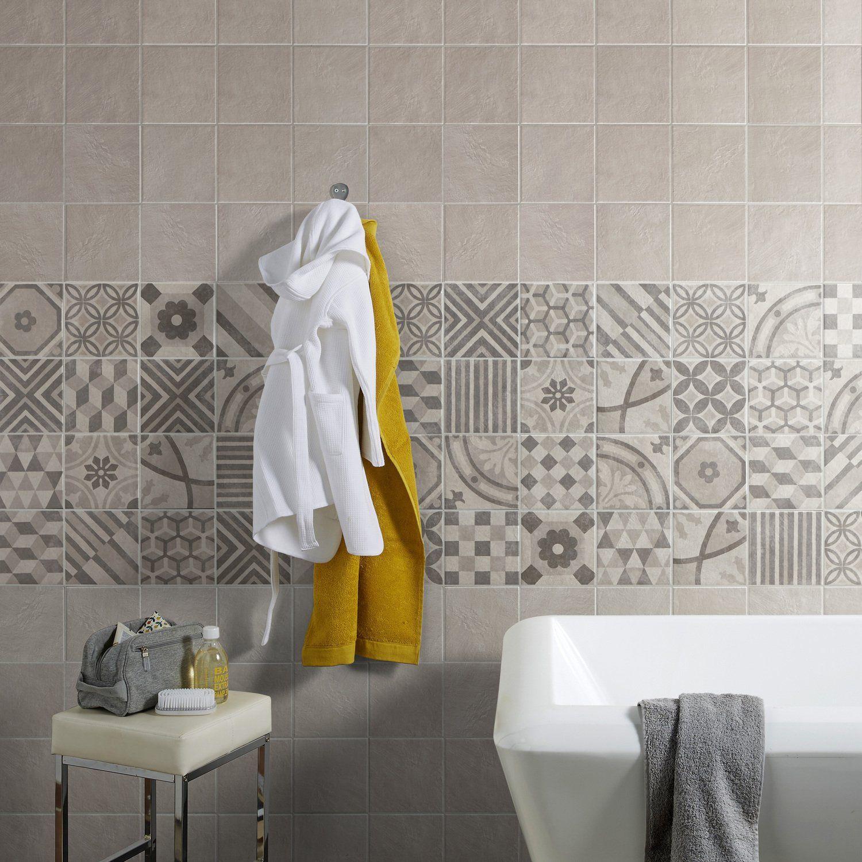 Frise Salle De Bain Horizontale Ou Verticale donner un style vintage à la salle de bains avec une frise