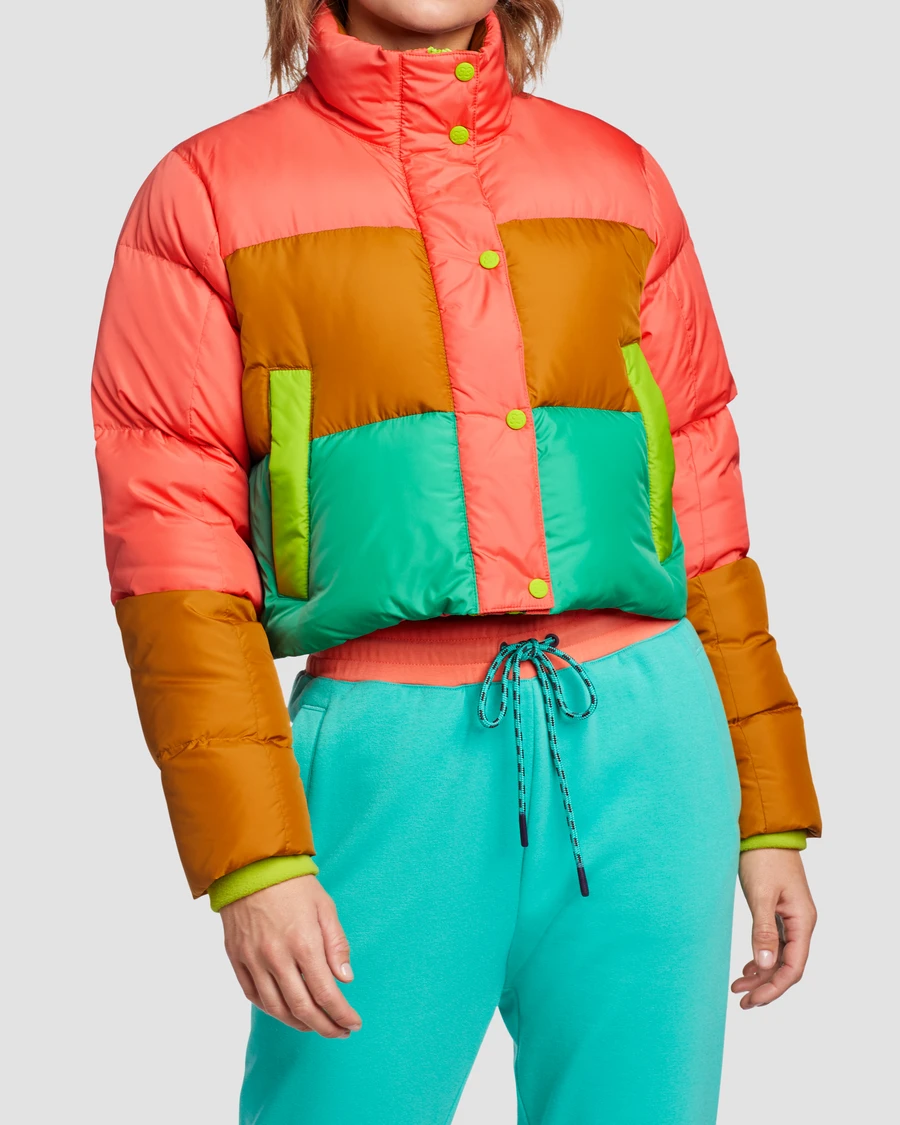 With Its Cropped Body Boxy Fit And Bold Color Blocking This Puffer Definitely Has An Attitude It Also Has Serio Cropped Puffer Jacket Puffer Puffer Jackets [ 1125 x 900 Pixel ]