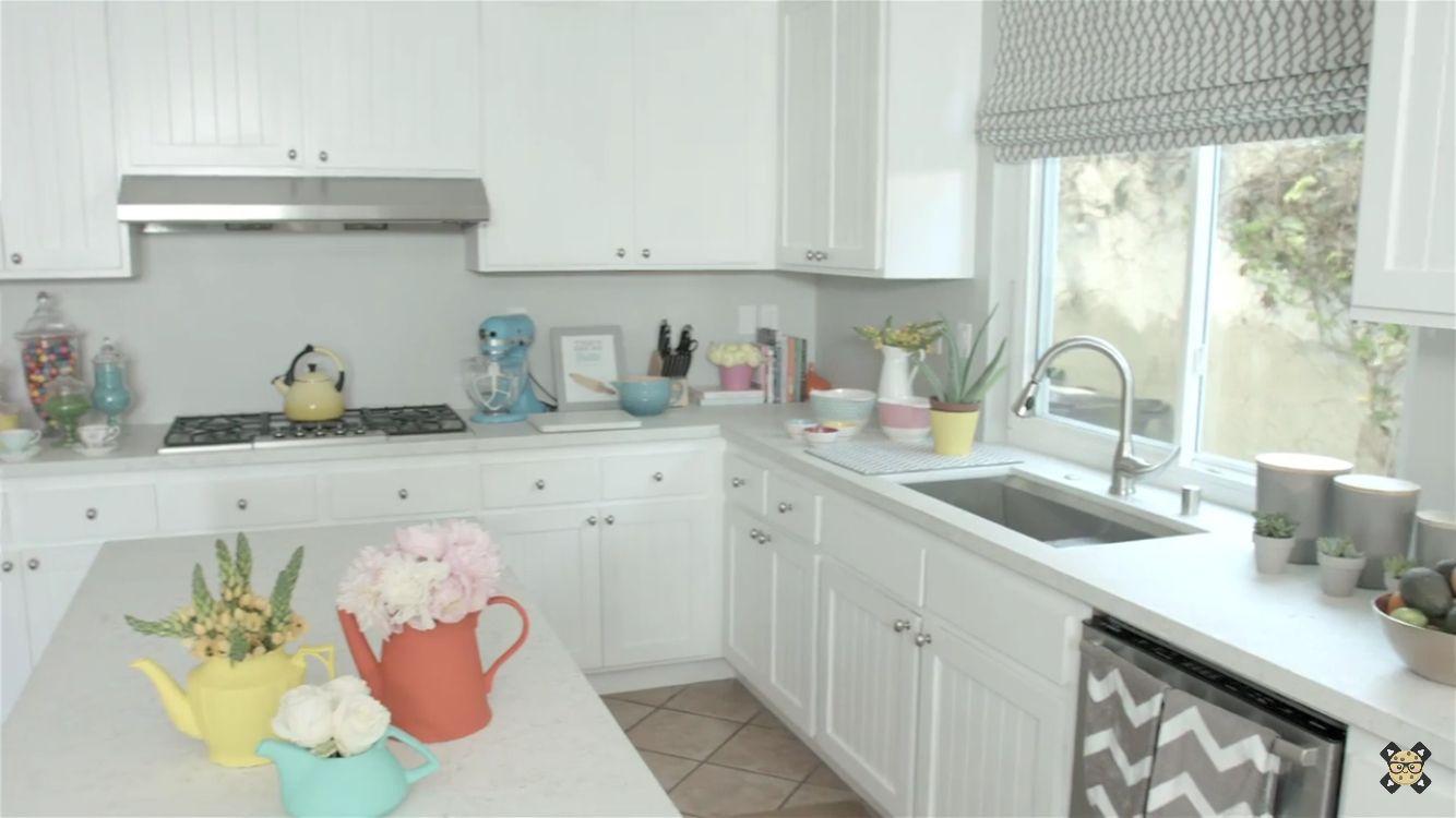 Rosanna Pansino S Kitchen Cozinha Toda Branca Com Detalhes Em