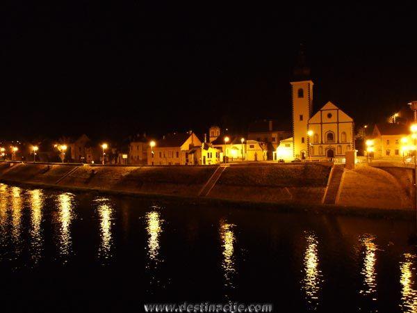 Hrvatska Kostajnica By Night Croatia Croatia Paradise On Earth Places