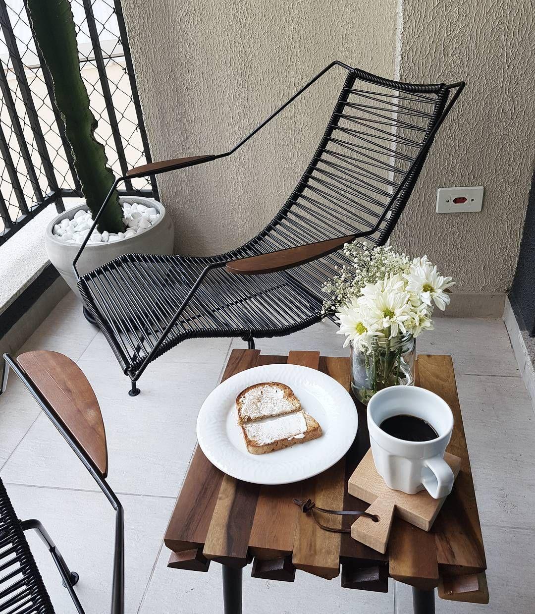 ✖Good morning✖ O melhor das férias é poder tomar café às 11 da manhã #goodmorning #breakfast #vacation #balcony #bomdia #ferias #home #myhome